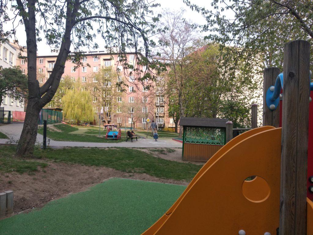 jardin d'une école maternelle tchèque