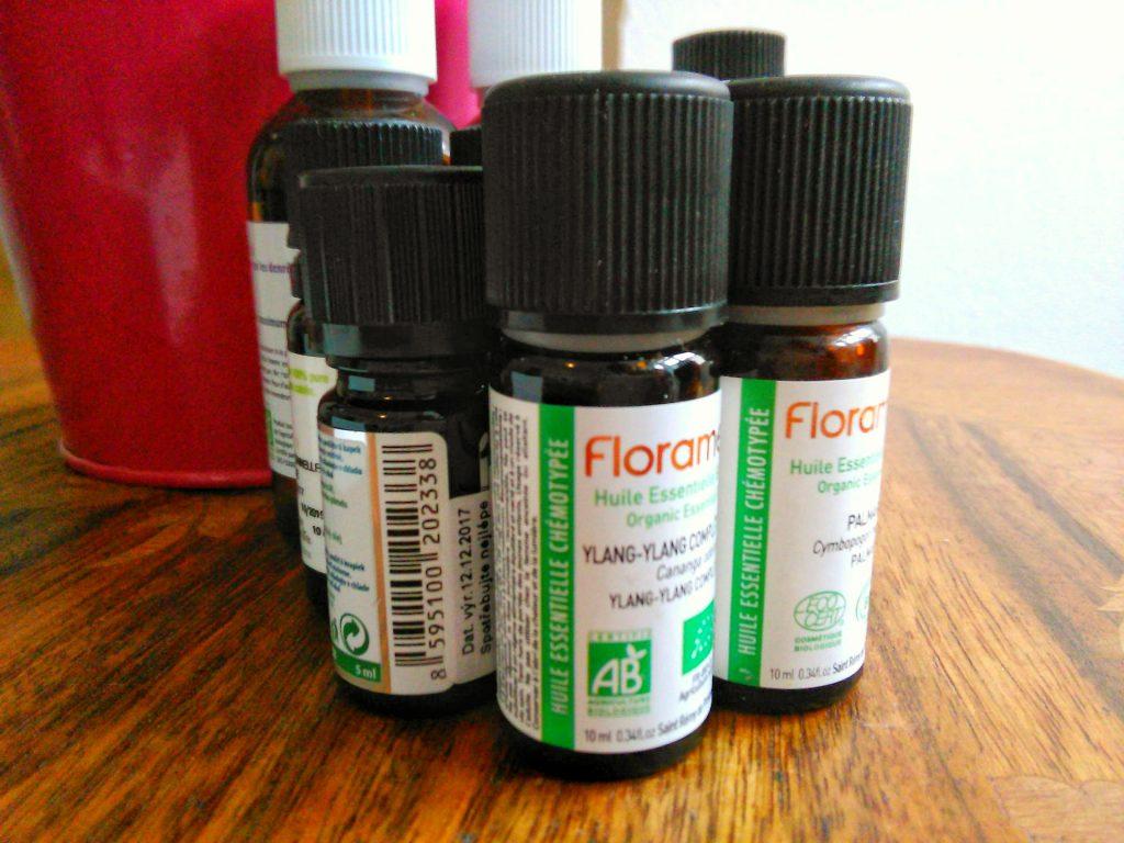 flacons d'huiles essentielles biologiques